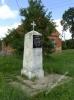 Obelisk upamiętniający śmierć Mariana Suwalskiego w Borowie